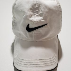 White one fit red victory dry nike golf cap/ hat.